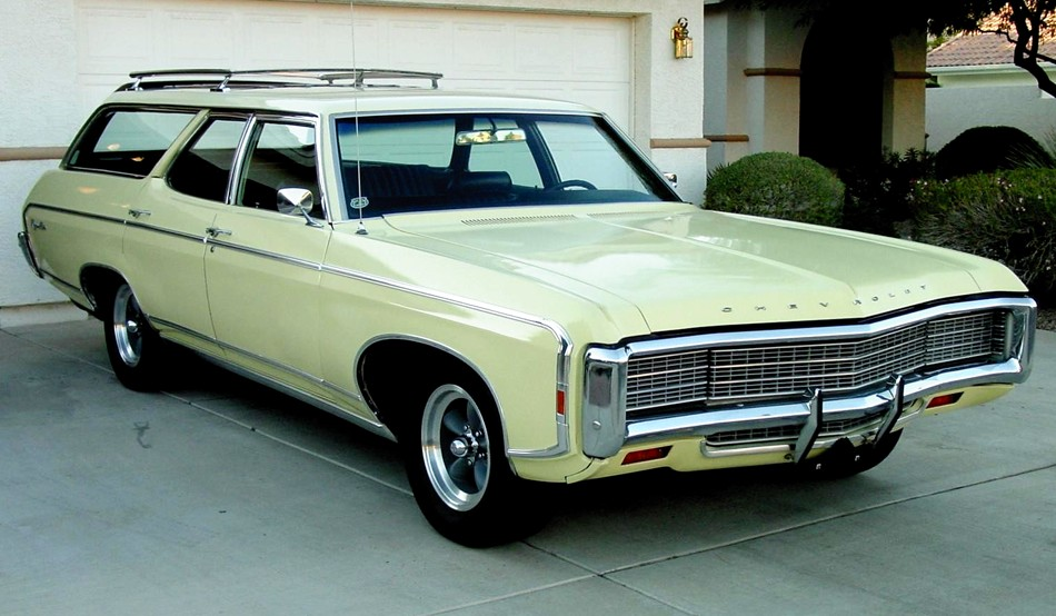 1969 Chevrolet Kingswood Estate Wagon http://www.jeff-young-design.com/WorldWideWagons/chevrolet-archive-IF.htm